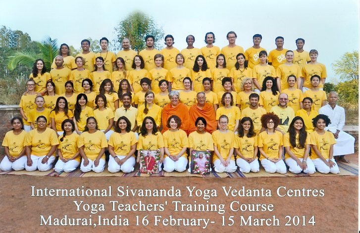 Curso Hatha Yoga. Madurai, India.